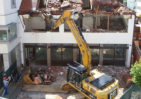 Risks Associated With Demolition Services in Sydney